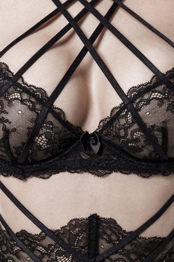Underklädesset i spets