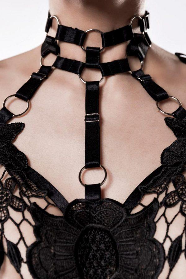 Harness-set med detaljer i spets